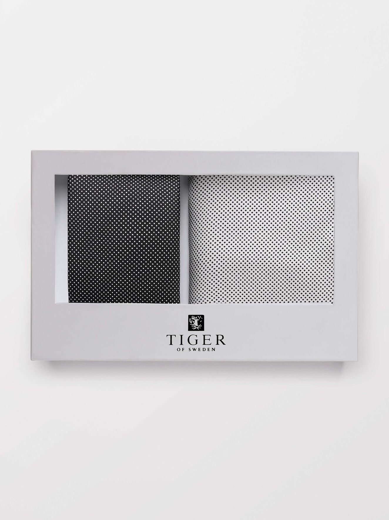 Gira Gift Box in Black from Tiger of Sweden