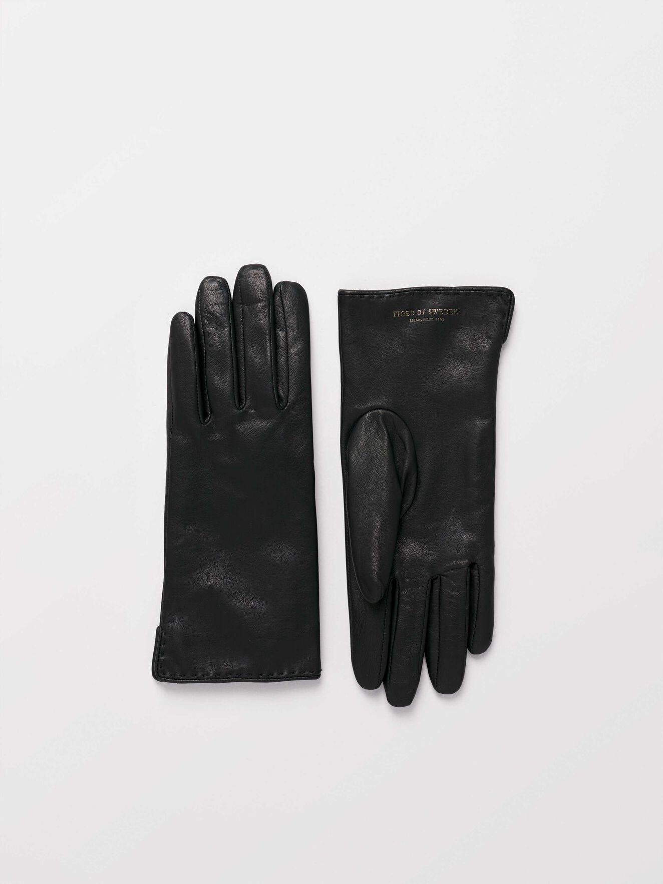 Lian Gloves in Black from Tiger of Sweden
