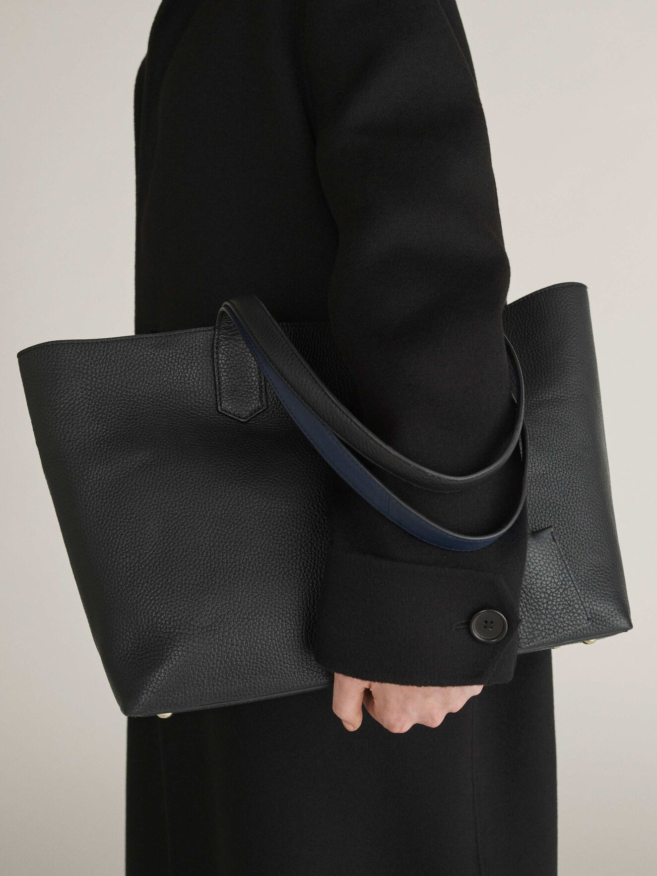 Ornis Shopper Bag in Black from Tiger of Sweden