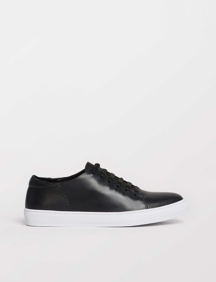 Yvelle Sneakers in Black from Tiger of Sweden