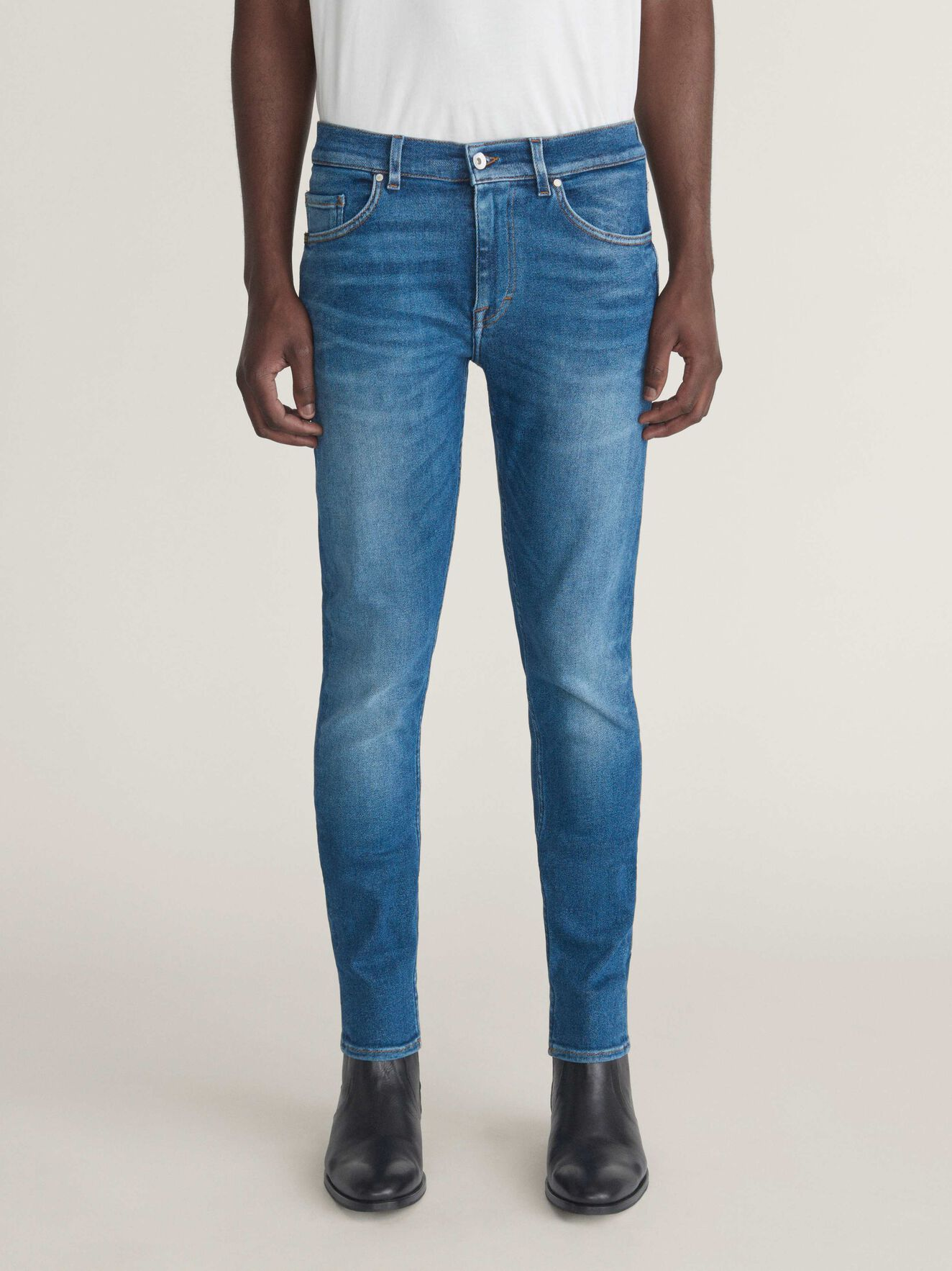 Evolve Jeans in Dust blue from Tiger of Sweden