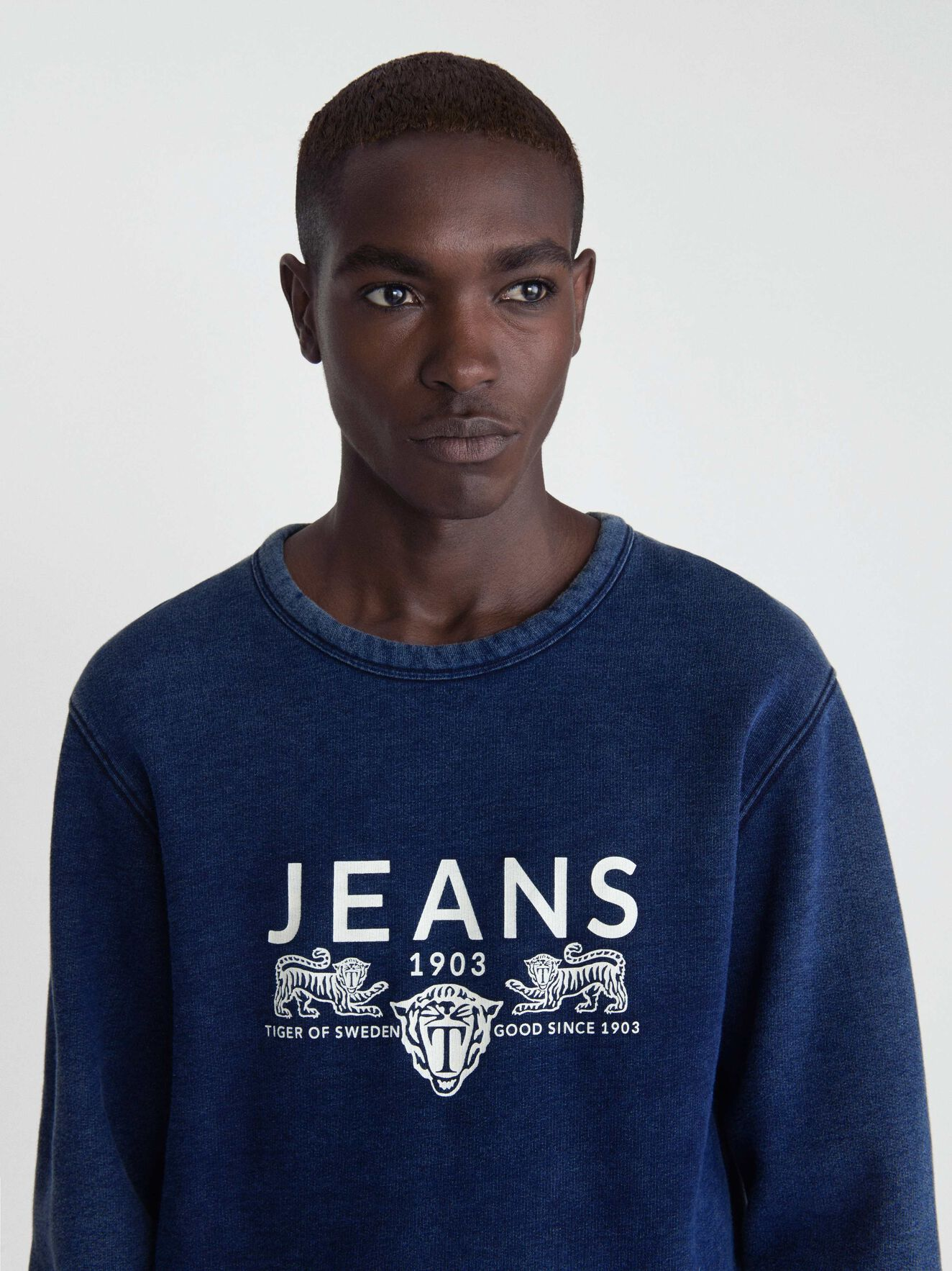 Tana In Sweatshirt in Deep Well from Tiger of Sweden