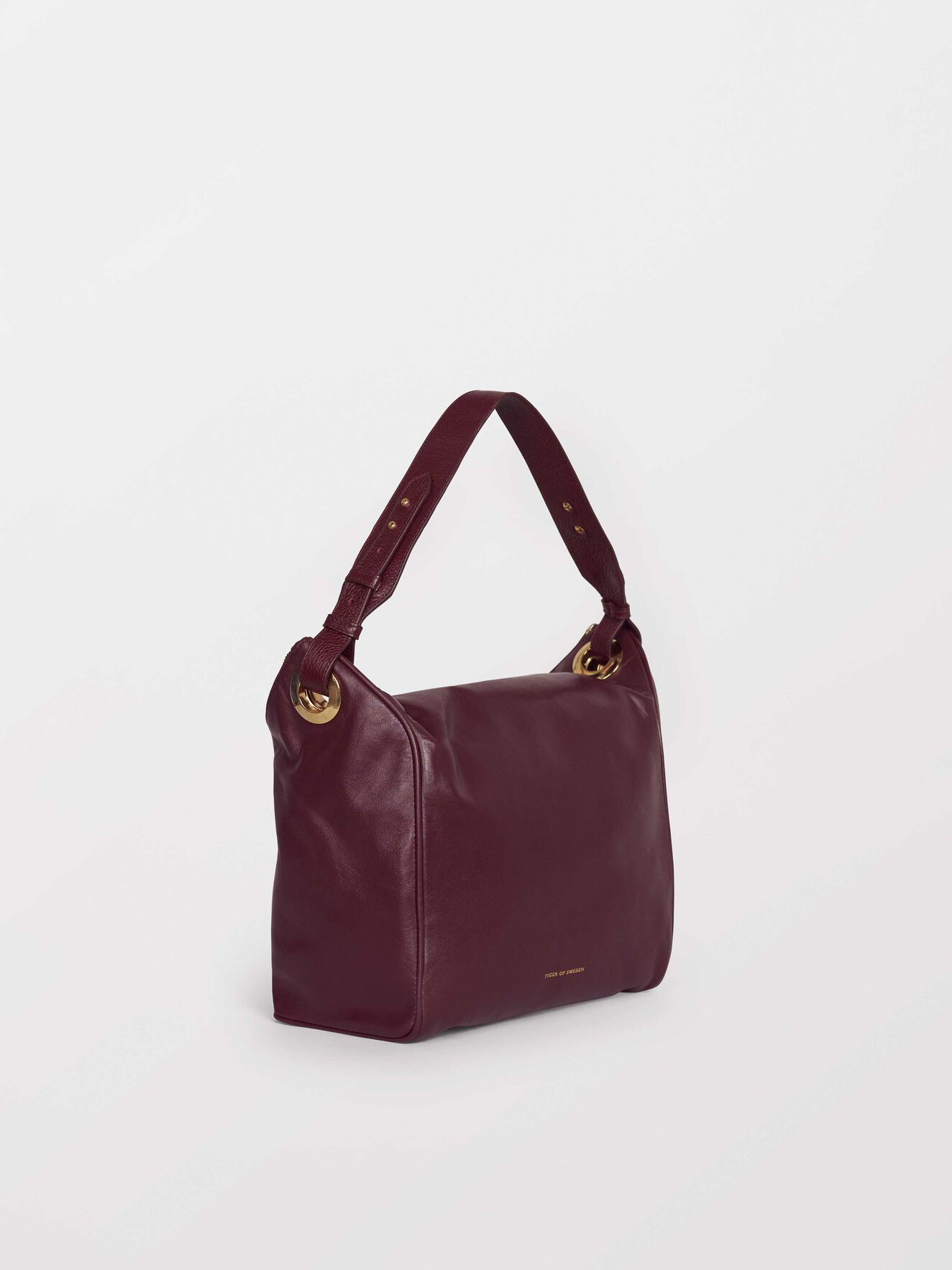 Ockiello Bag in Noon Plum from Tiger of Sweden