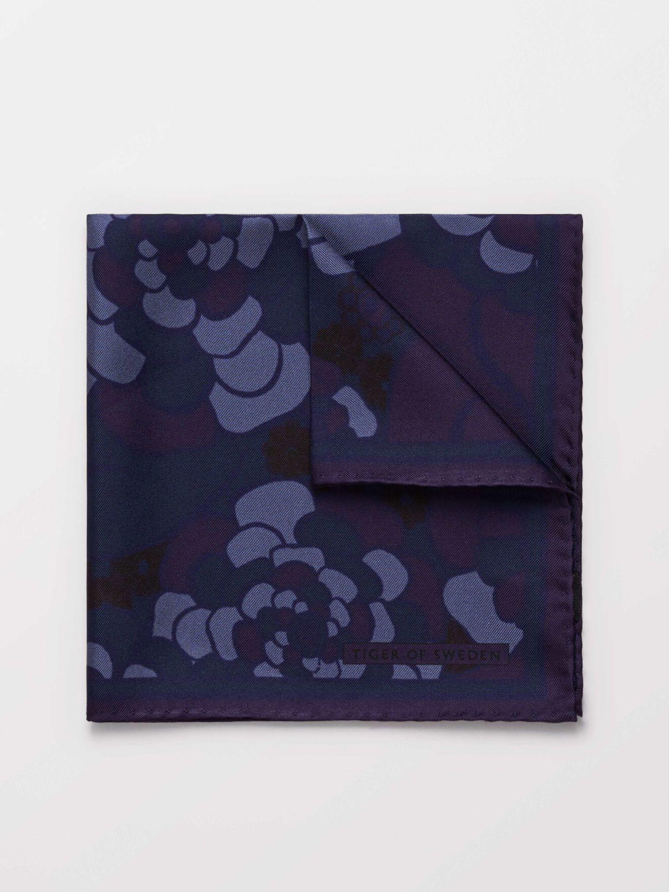 Pas Handkerchief in Print from Tiger of Sweden