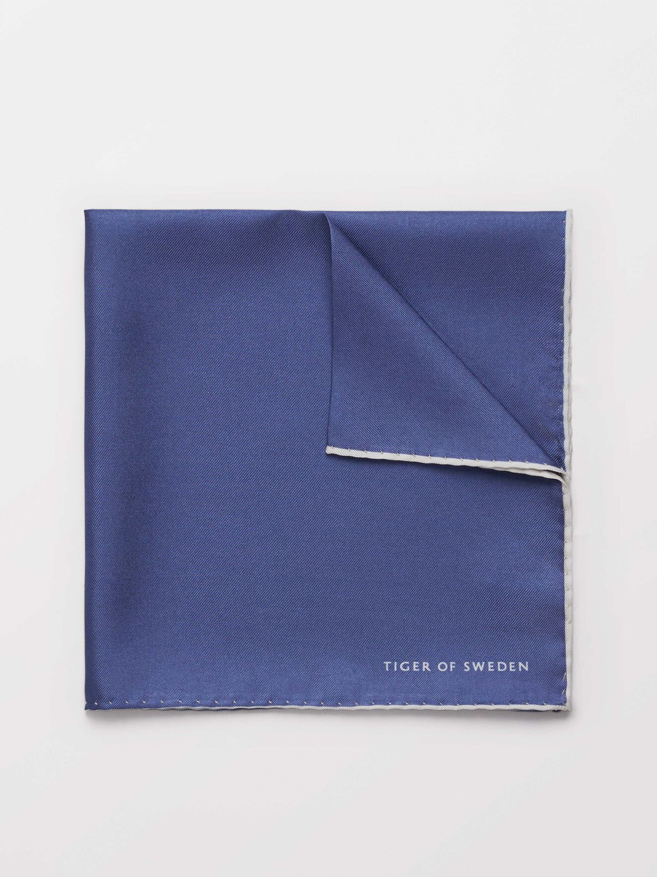 Penche Tuch in Soft blue from Tiger of Sweden