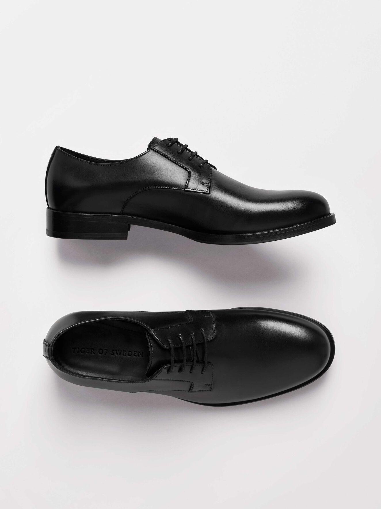 Sennit Shoe in Black from Tiger of Sweden