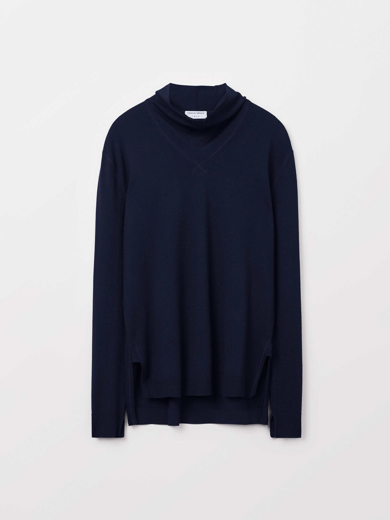Nohan Pullover in Light Ink from Tiger of Sweden