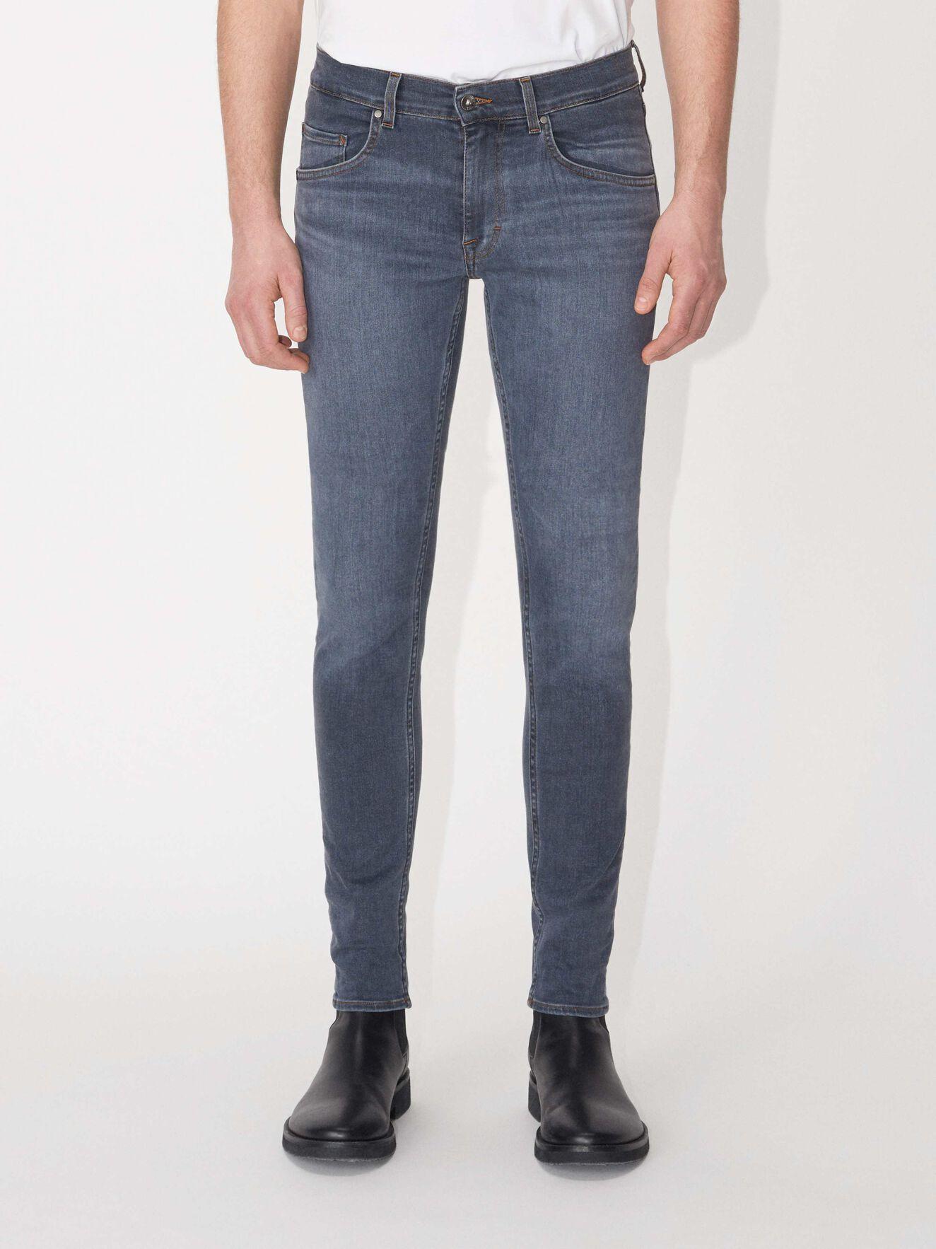 0abae4000d9 Jeans - handla designerjeans för män online på Tiger of Sweden
