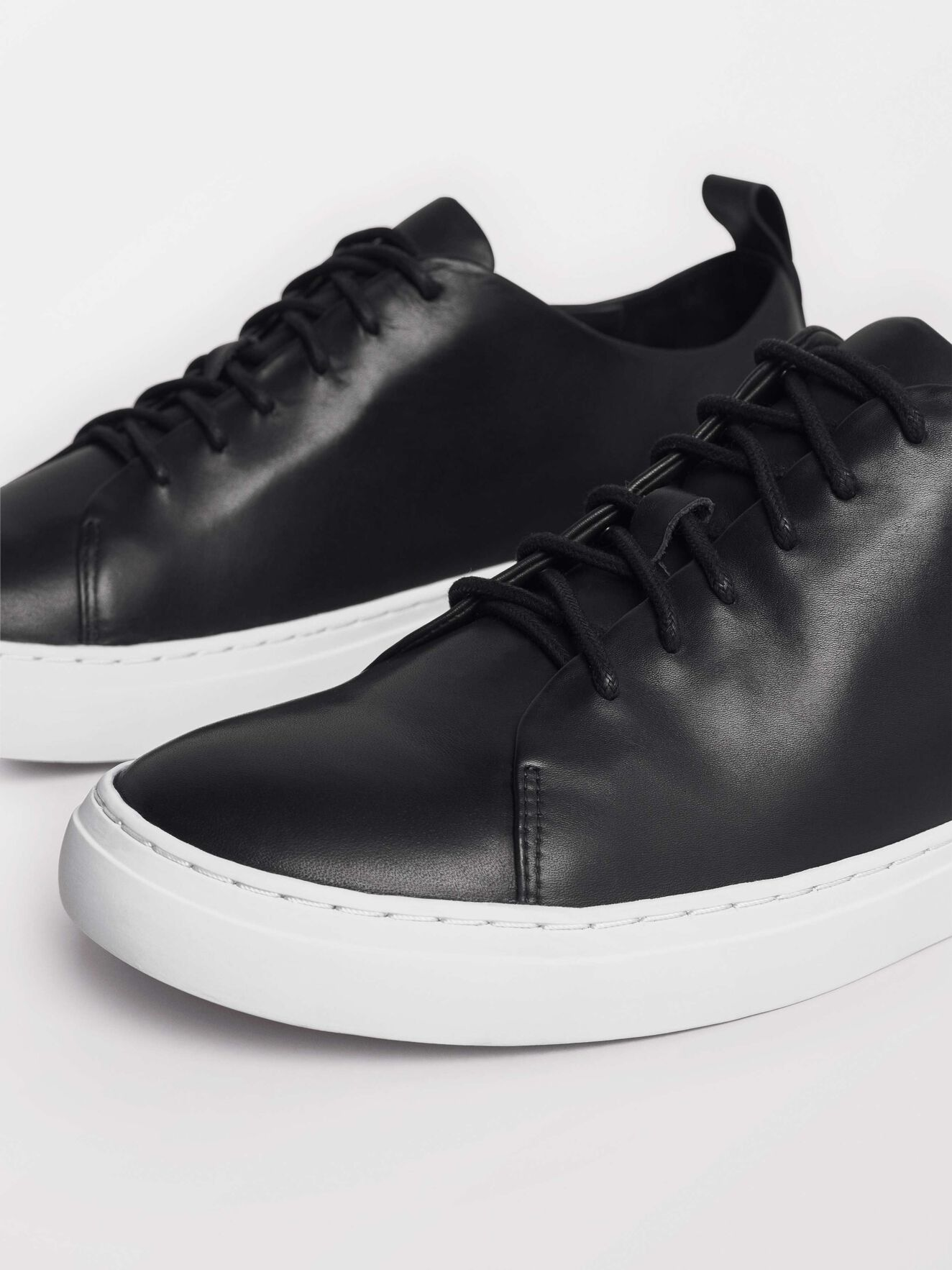 Brukare Sneakers in Black from Tiger of Sweden
