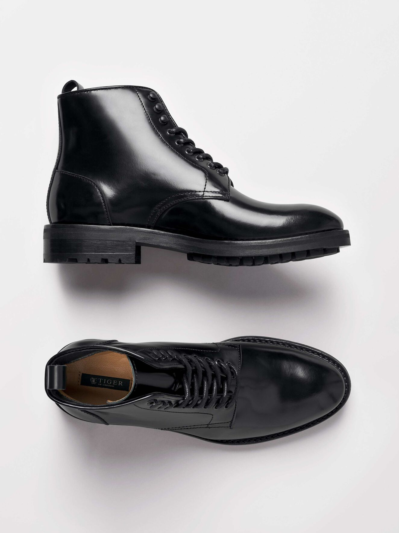 Bidcot Boots in Black from Tiger of Sweden