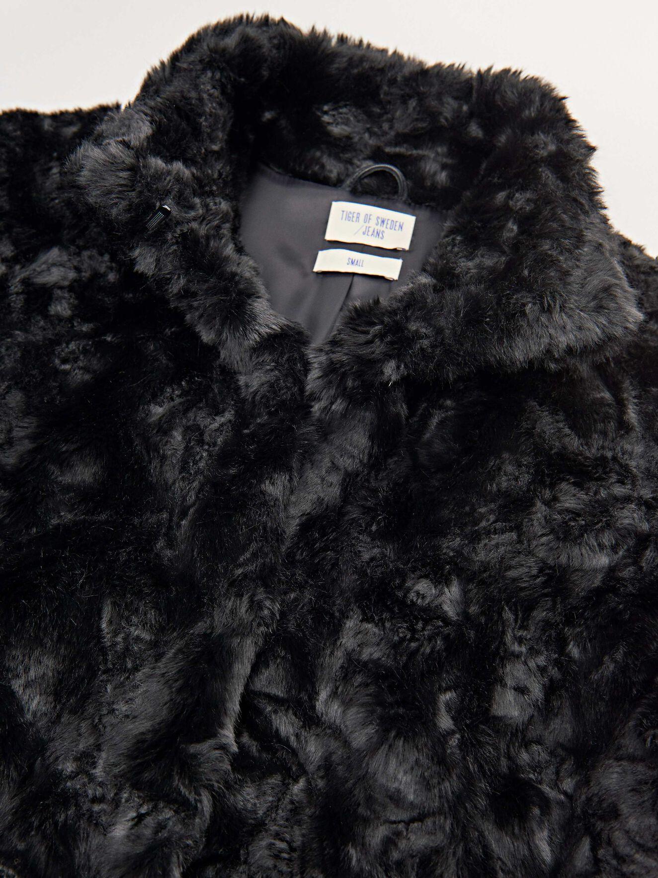 873ae0f8099 Minimal Jacket - Buy Outerwear online