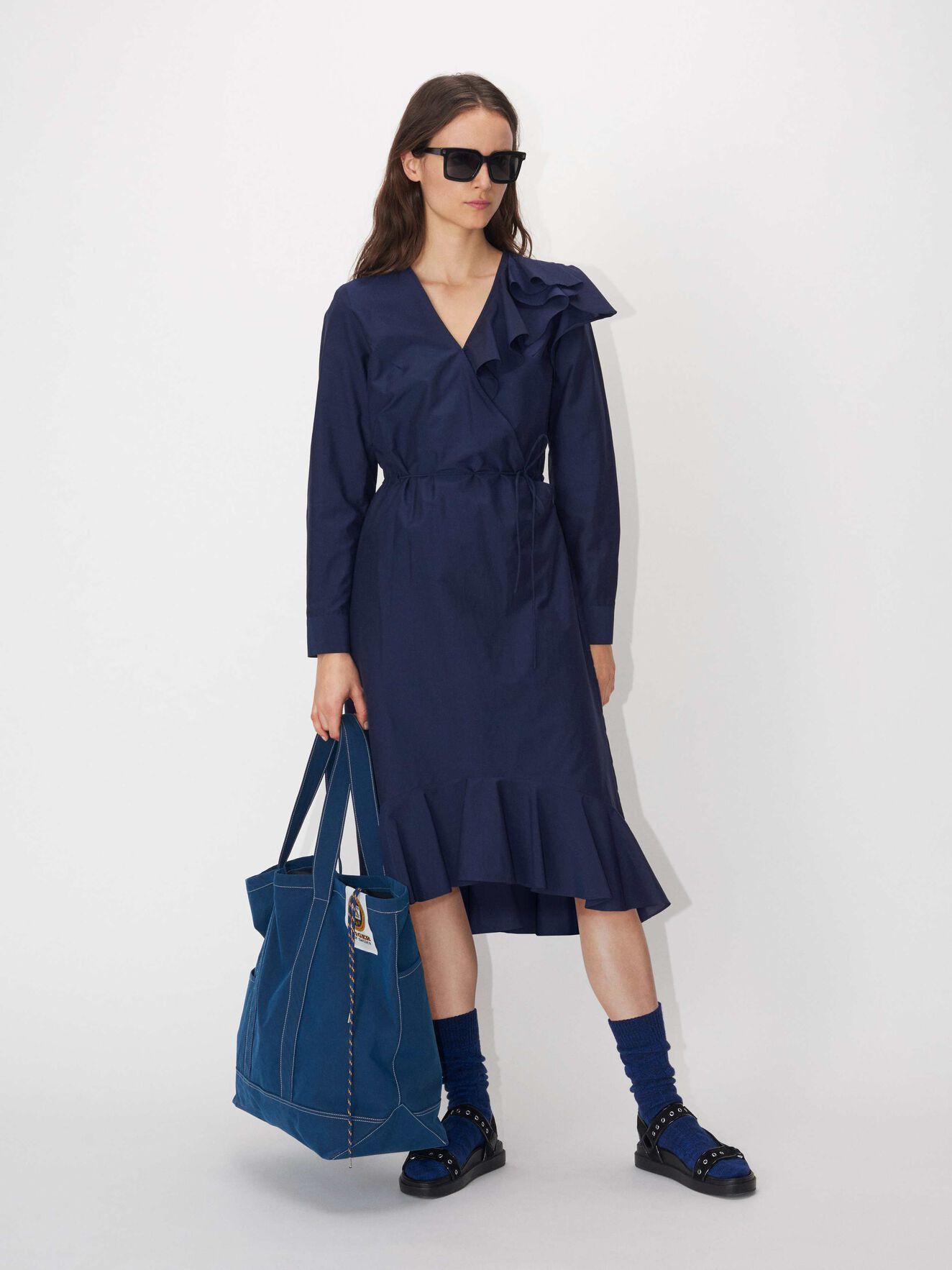 4f601a8d2072 Merzig Dress. 2 999 sek. Nopal Trousers in Light blue from Tiger of Sweden