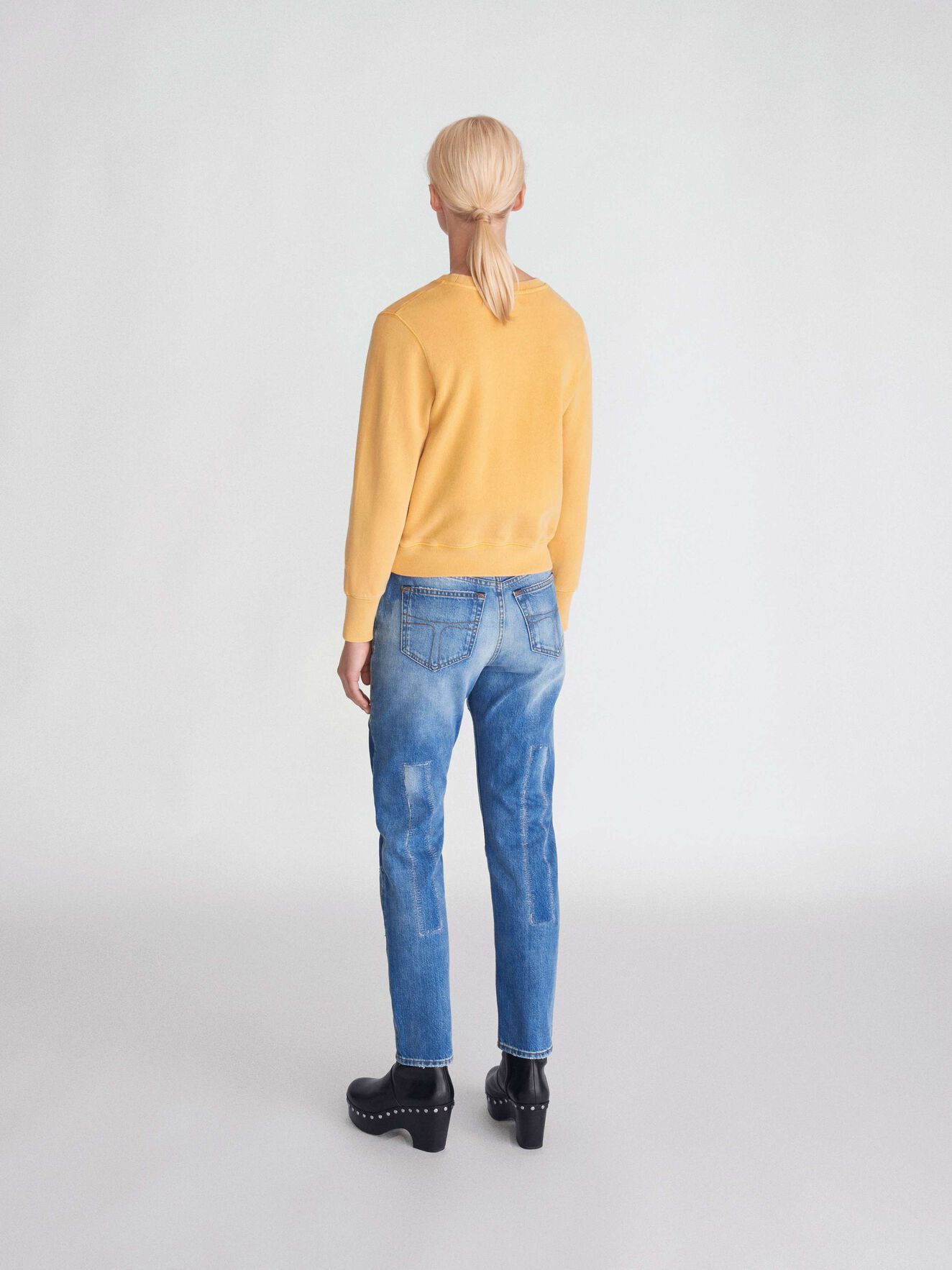 Obscura Pr Sweatshirt in Mustard from Tiger of Sweden