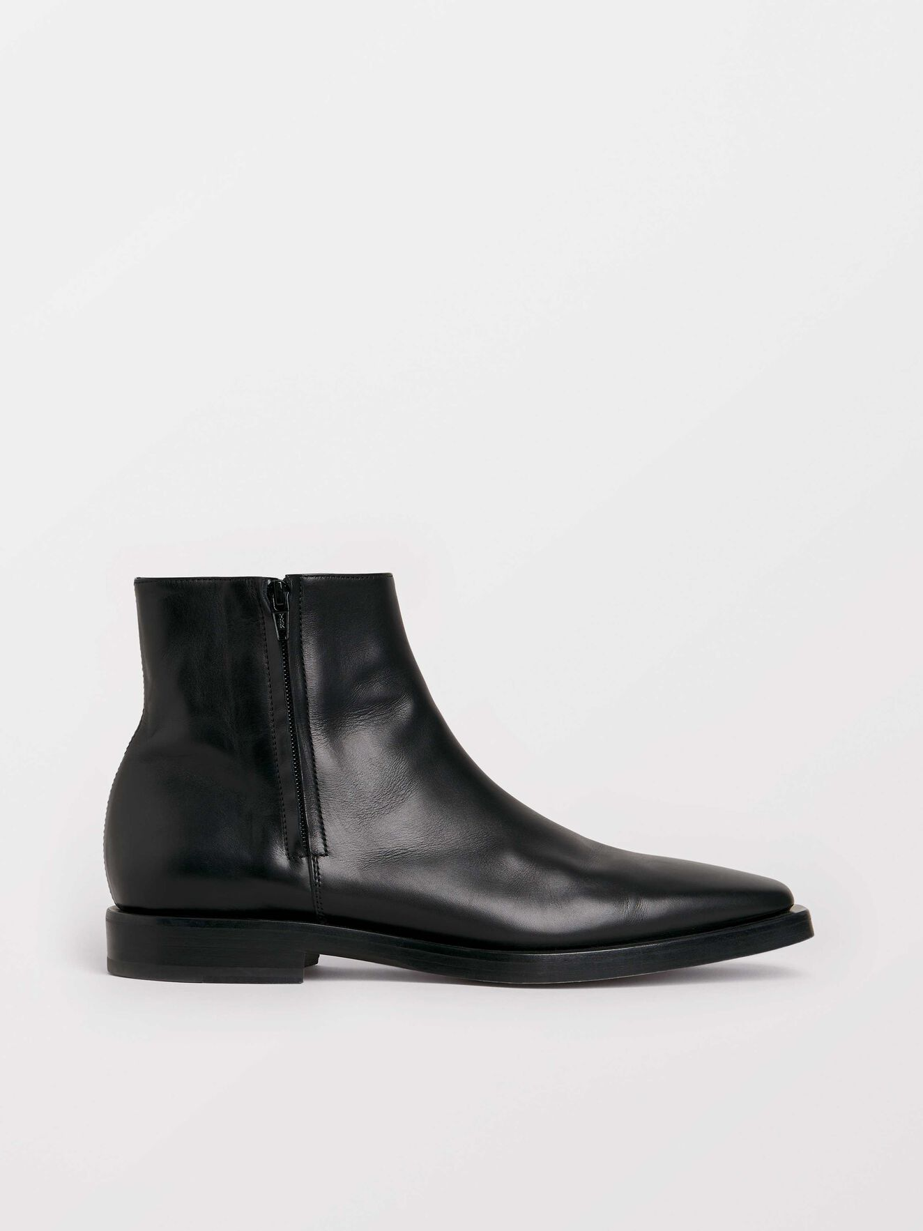 Bottines Bartis in Black from Tiger of Sweden