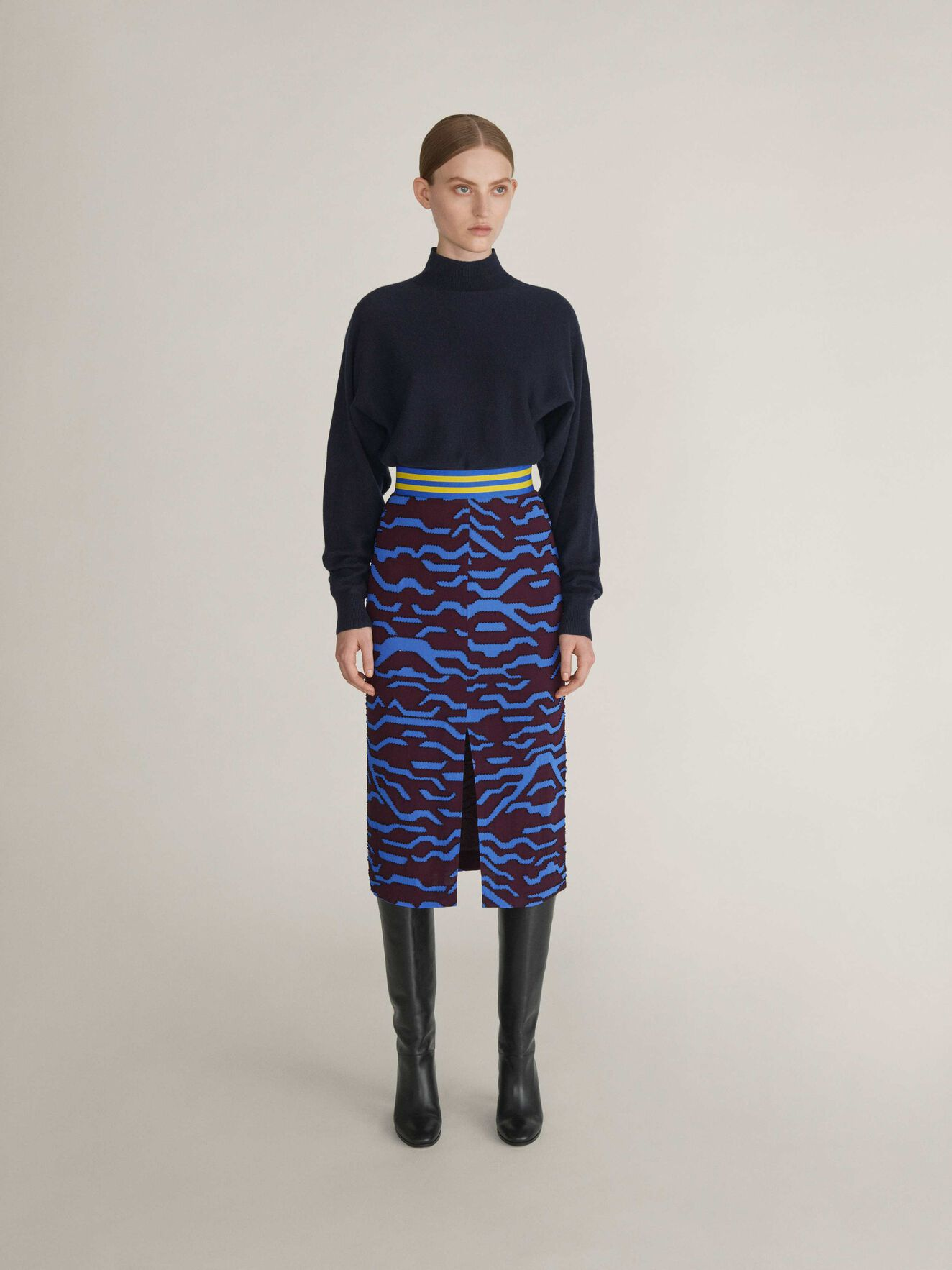 Dubess Pullover in Dark Sea from Tiger of Sweden