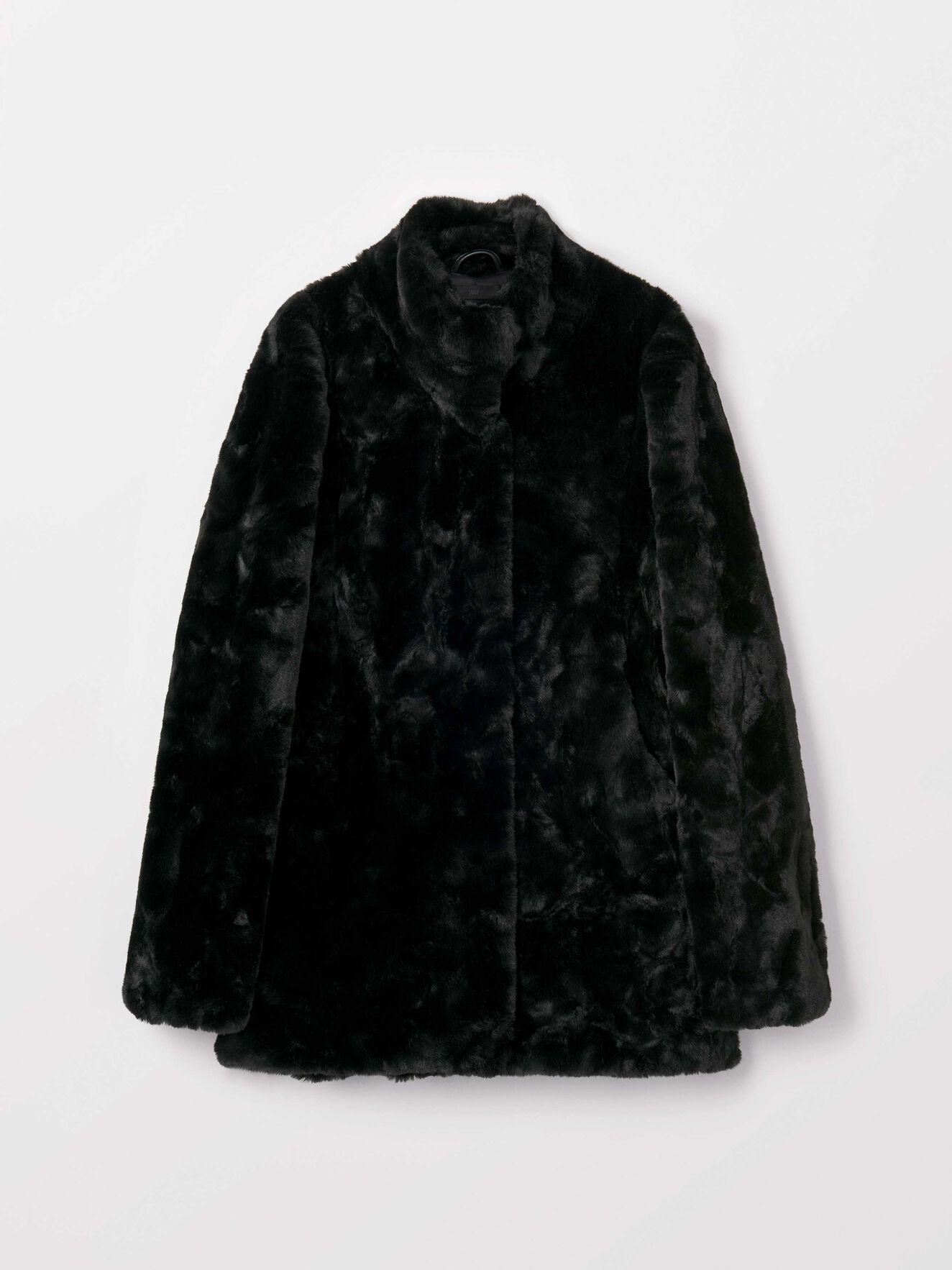 Minimal Coat in Black from Tiger of Sweden