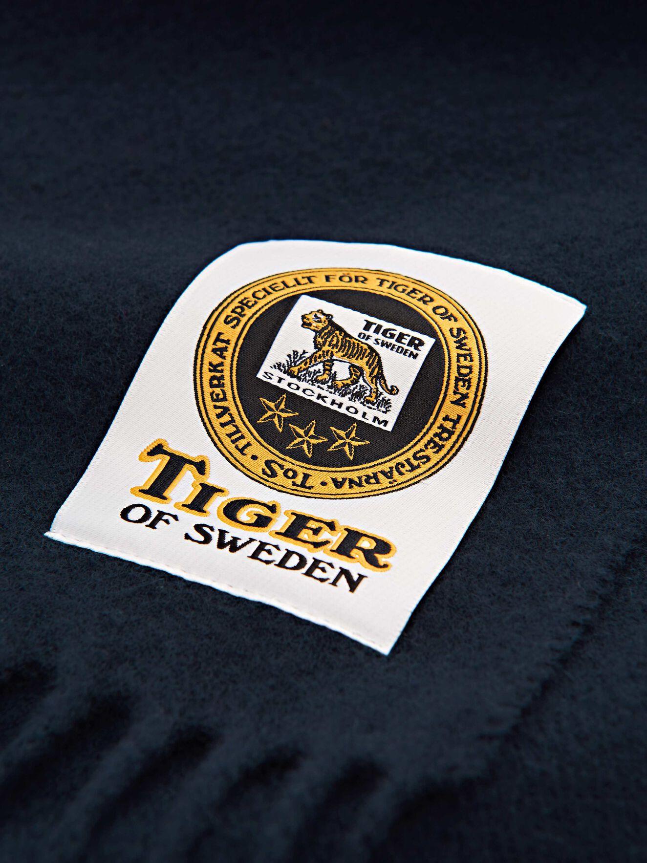 Standart Scarf in Light Ink from Tiger of Sweden