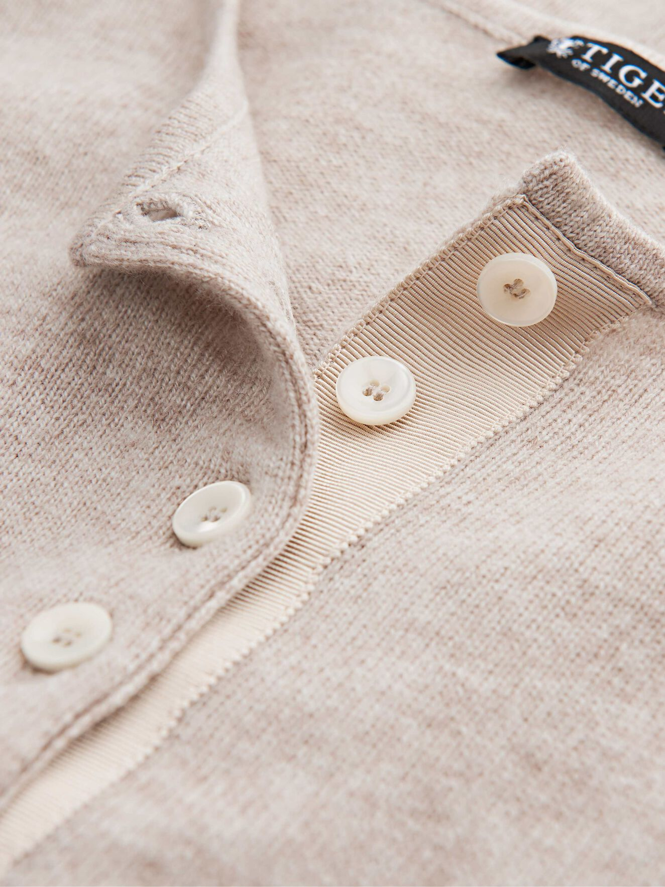 Aktino Cardigan in Roasted Oat from Tiger of Sweden