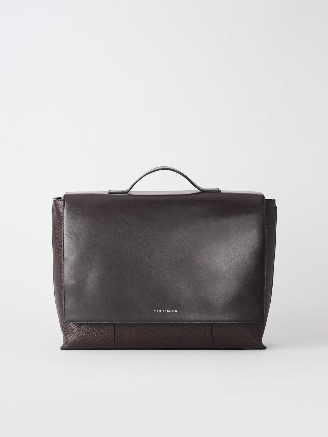149d76ac Väskor - handla väskor online på Tiger of Sweden