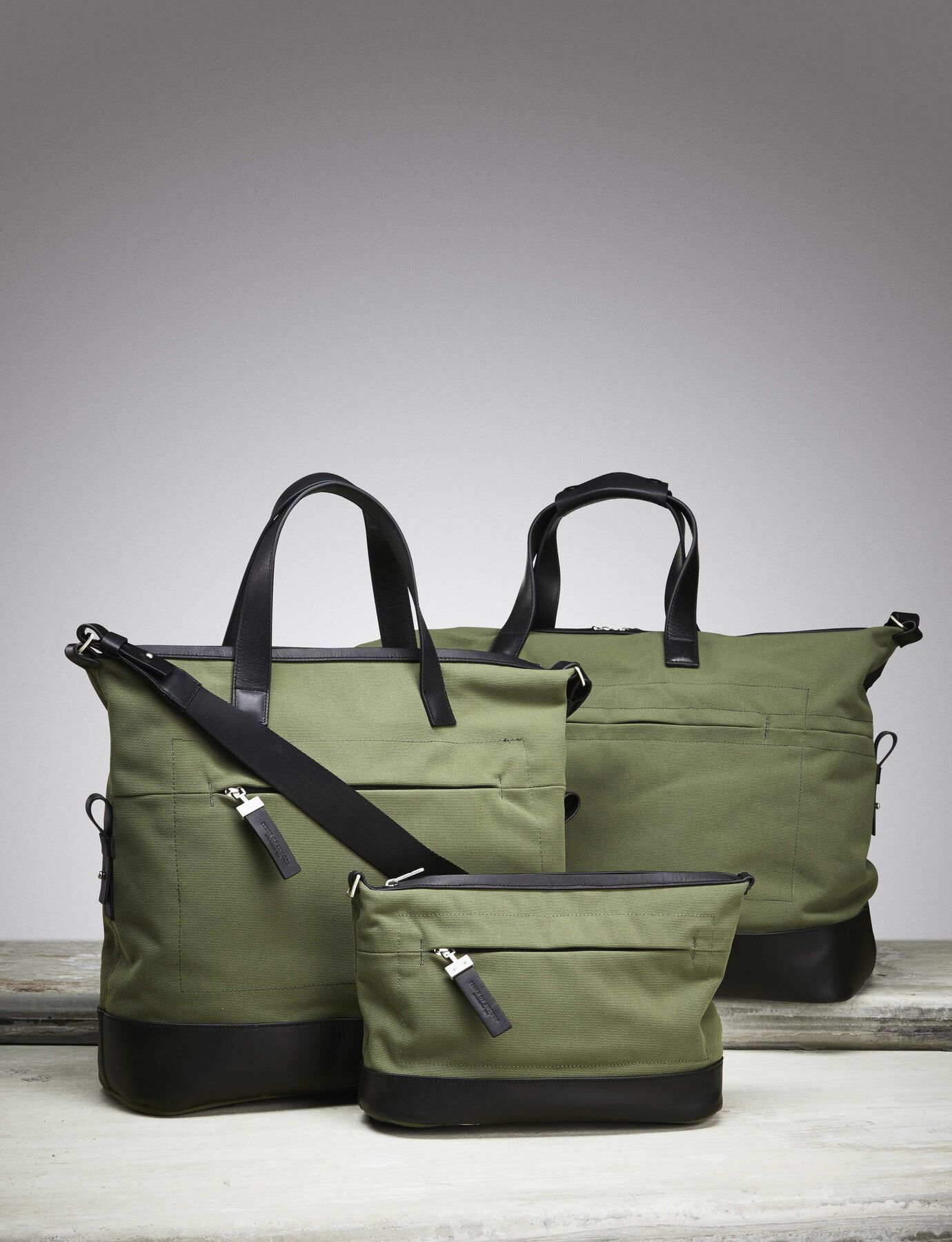 THORNE BAG in Deep Olive from Tiger of Sweden