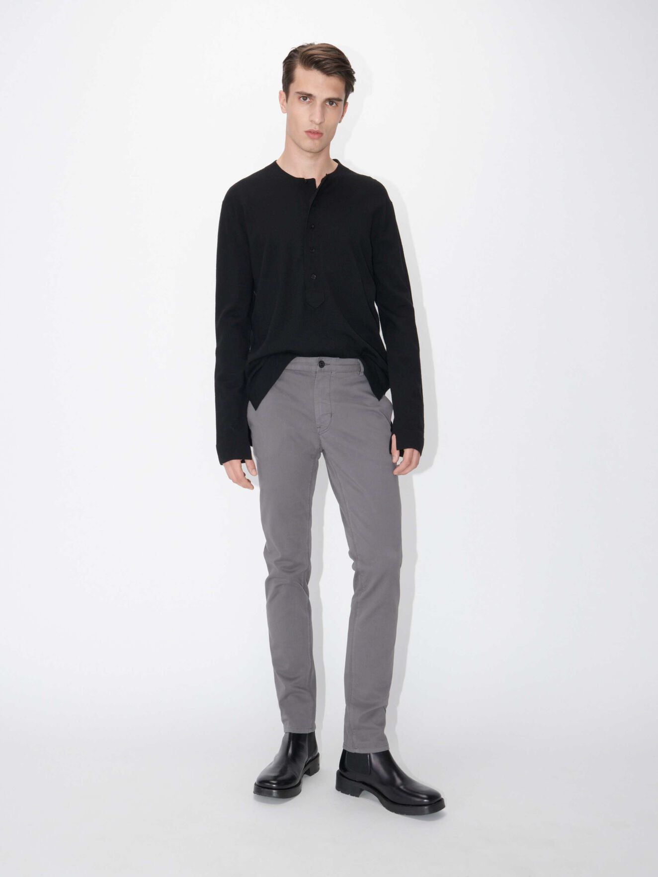 85487ff8 Transit 4 Trousers in Light Stone Grey from Tiger of Sweden