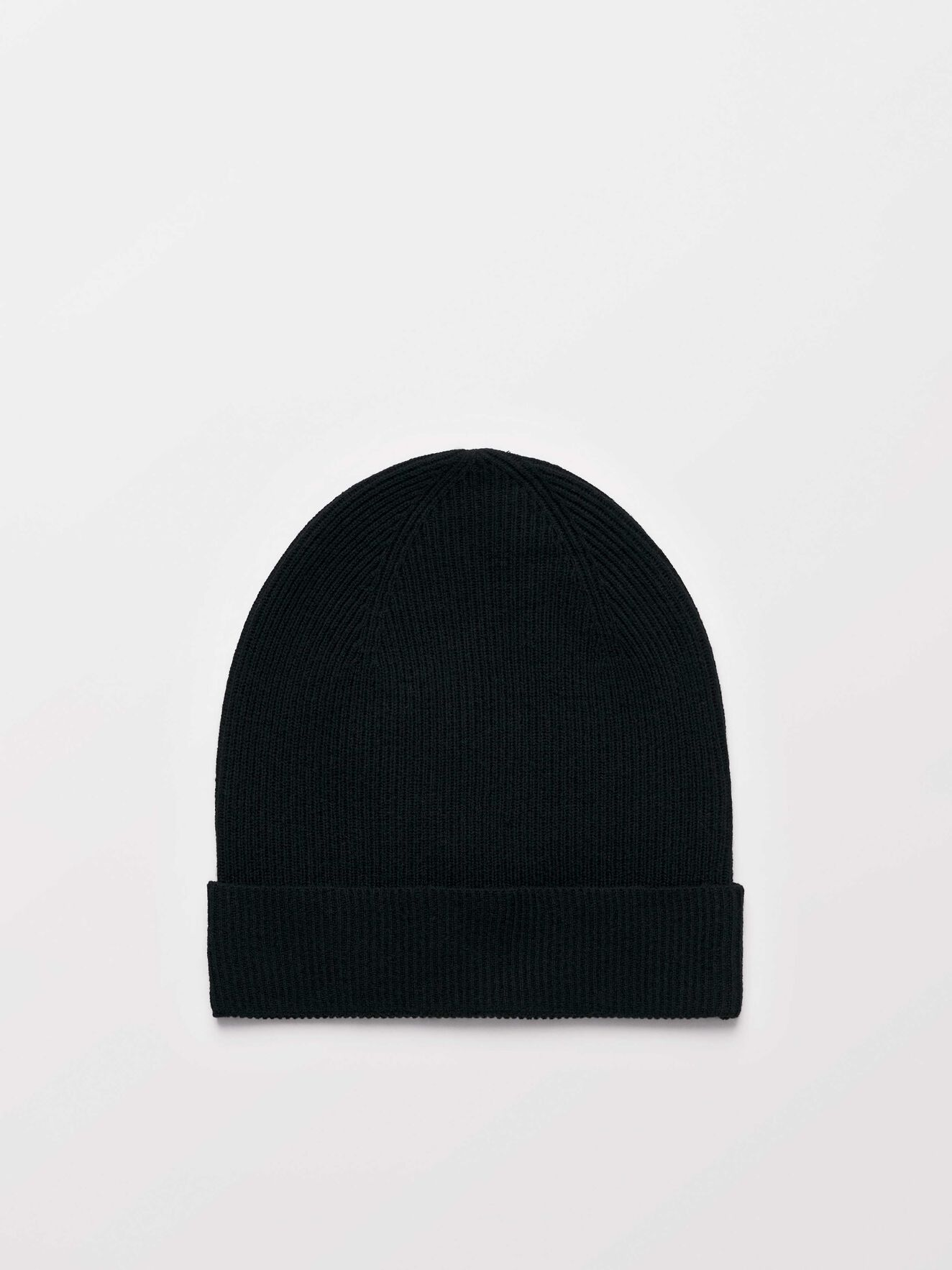 Giola  Beanie in Black from Tiger of Sweden