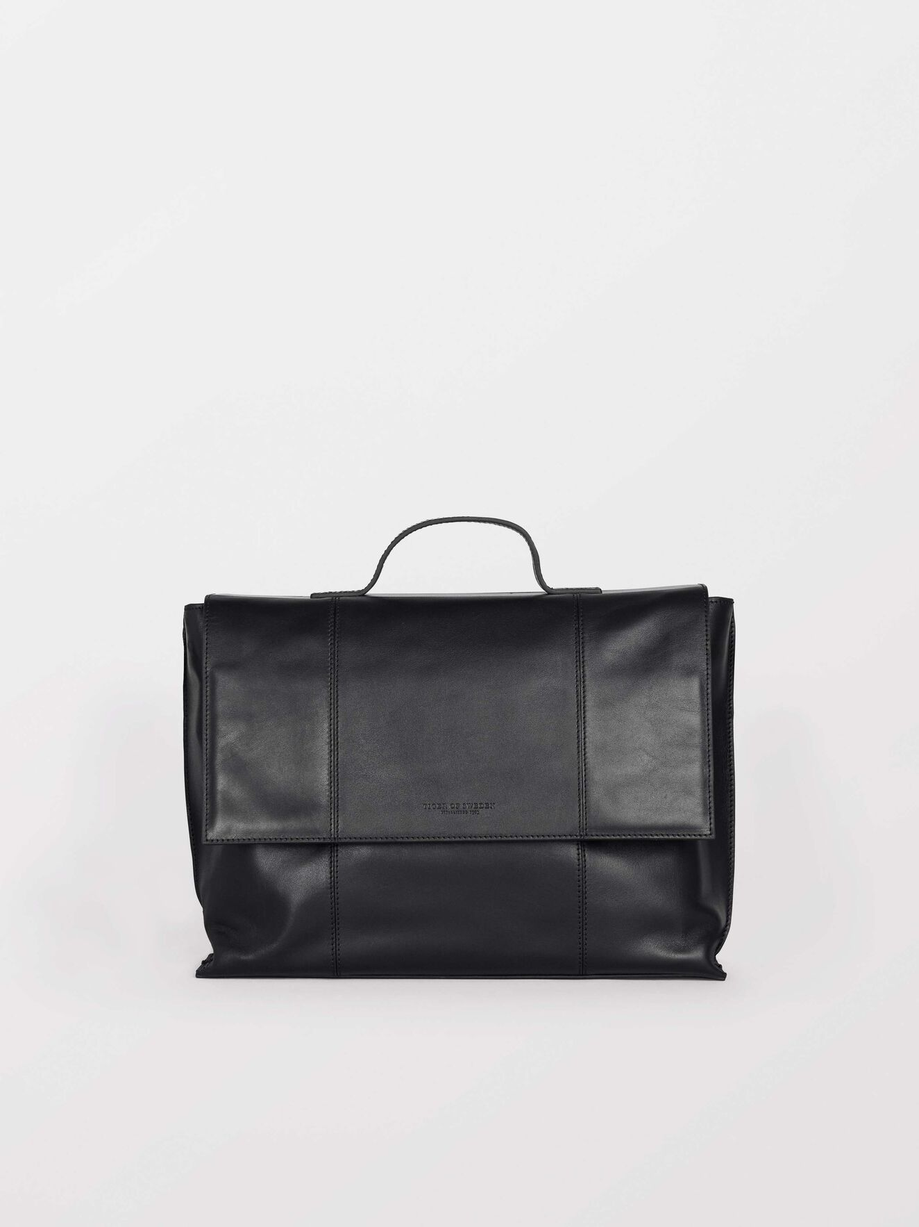 Vasatana 2 Bag in Black from Tiger of Sweden