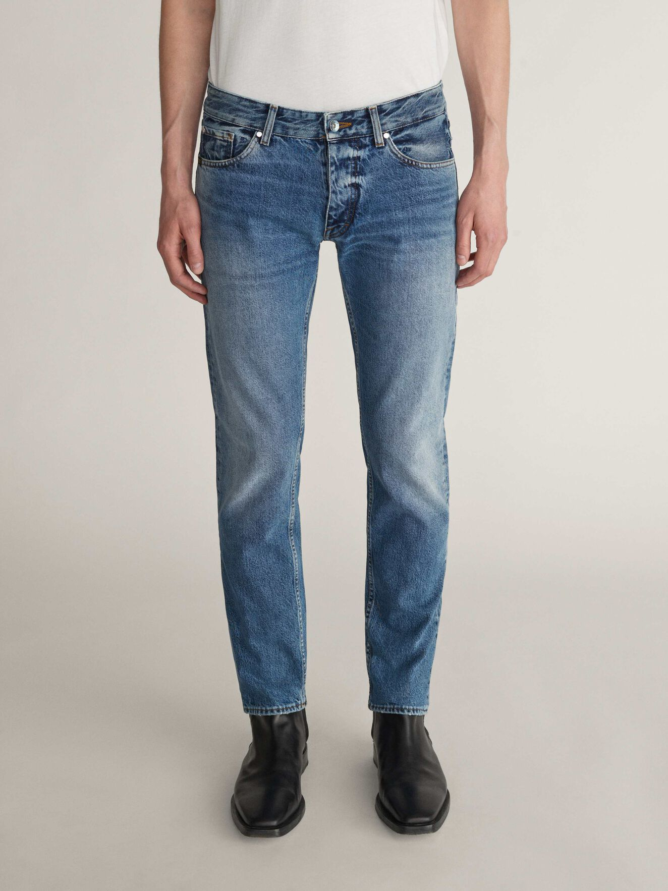 Alex Jeans in Medium Blue from Tiger of Sweden