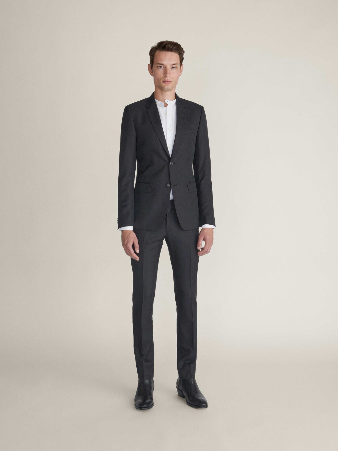 S.2018  Suit in Black from Tiger of Sweden