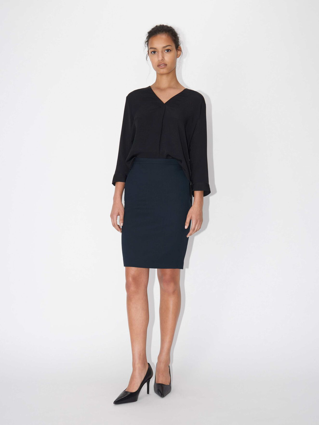 Erene skirt in Peacoat Blue from Tiger of Sweden