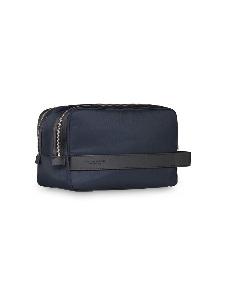 PIPARE TOILETRY BAG in Sky Captain from Tiger of Sweden