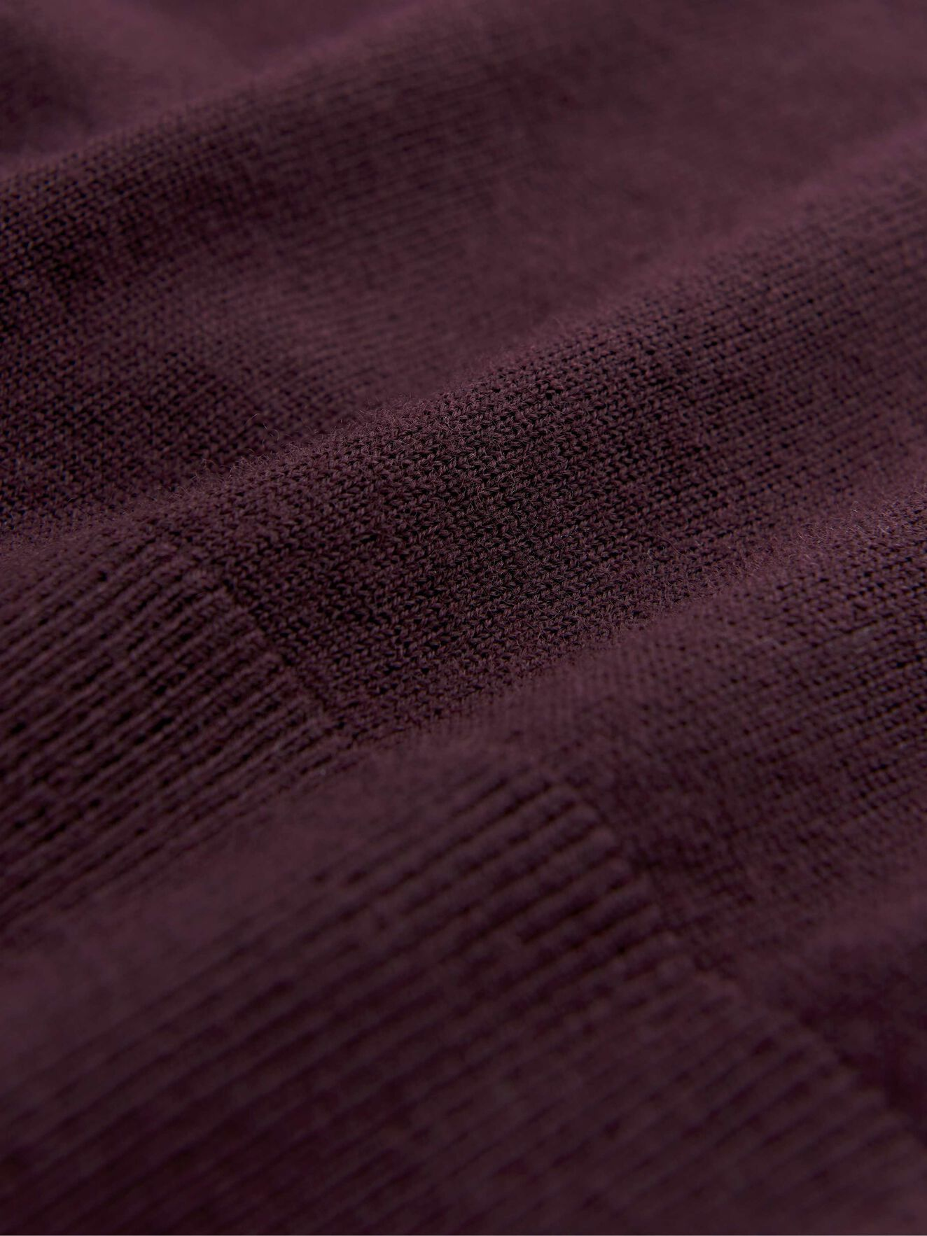 Nichols Pullover in Noon Plum from Tiger of Sweden