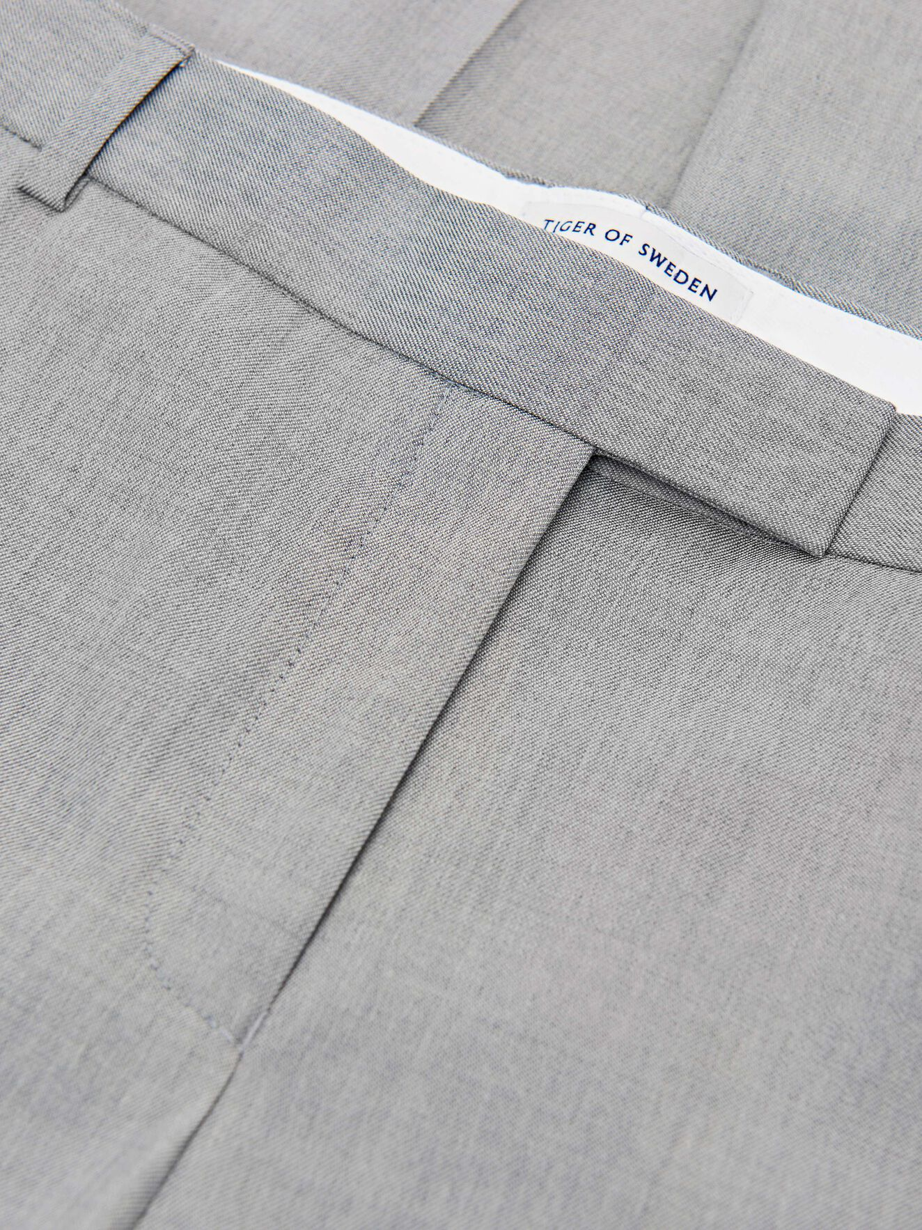 Hollen Trousers in Light grey melange from Tiger of Sweden
