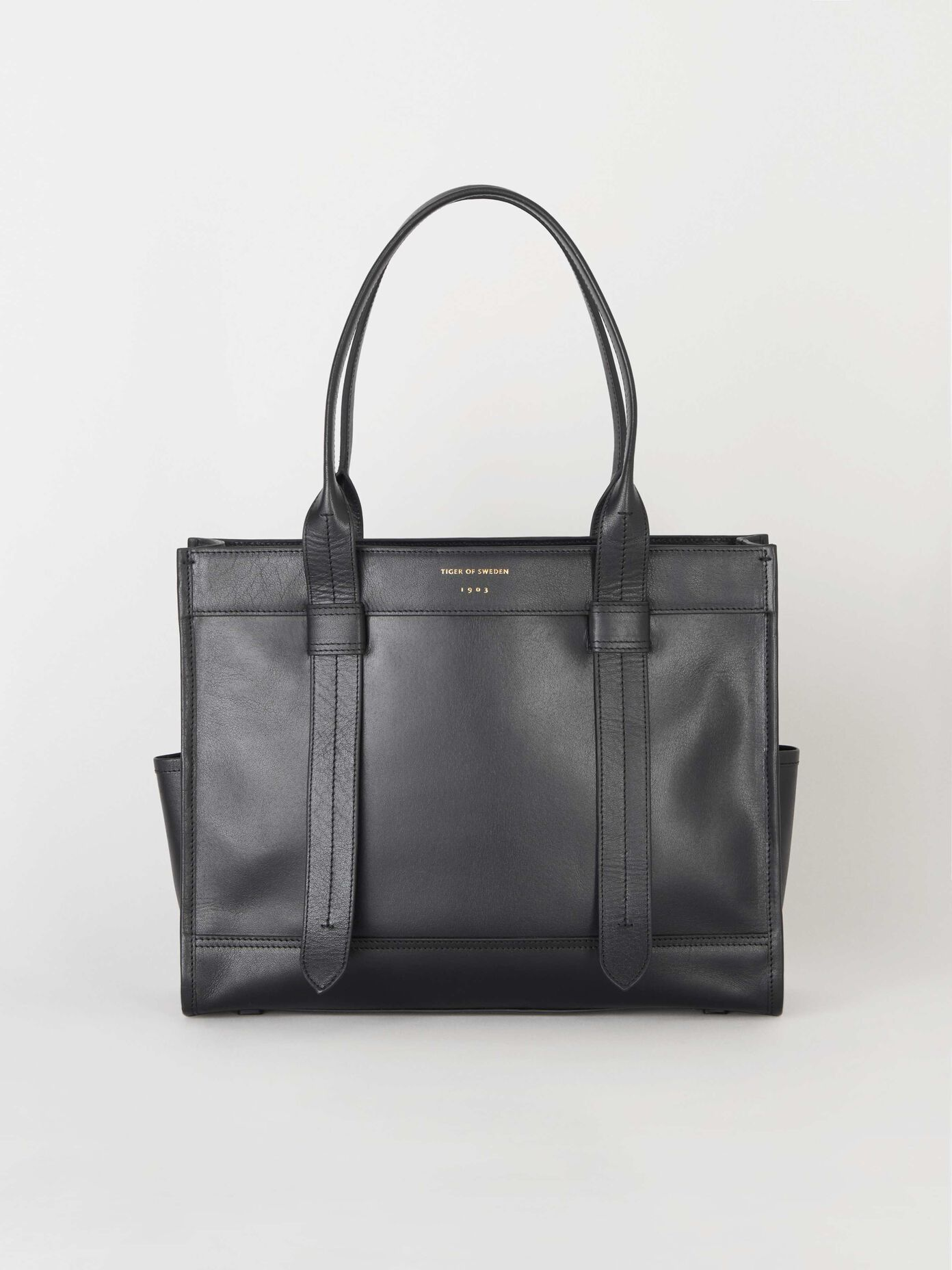 Bags Discover This Season S Online Bag Collection At Tiger
