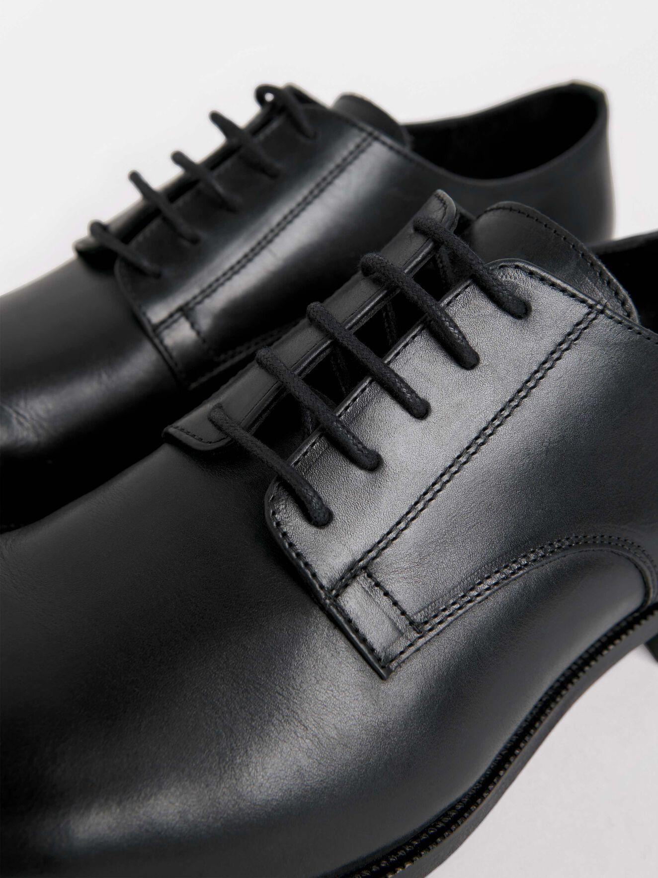 Gerhard Shoe in Black from Tiger of Sweden