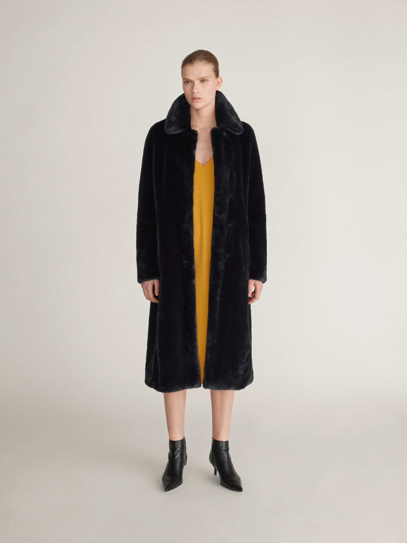Lola Coat in Black from Tiger of Sweden