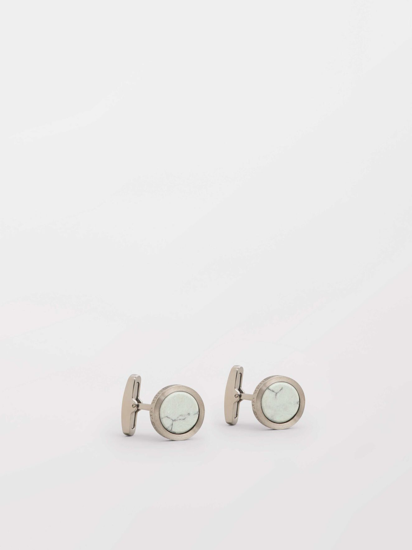 Kollett 2  Cufflinks in Pure white from Tiger of Sweden