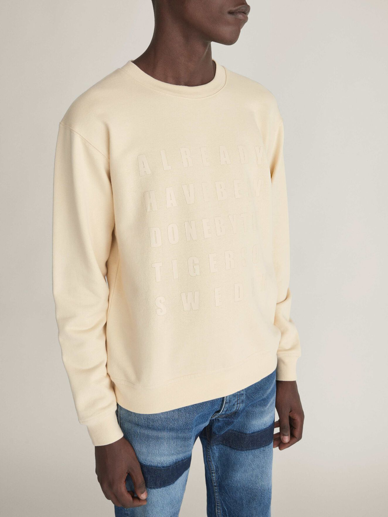 Tana Sweatshirt in Curd from Tiger of Sweden