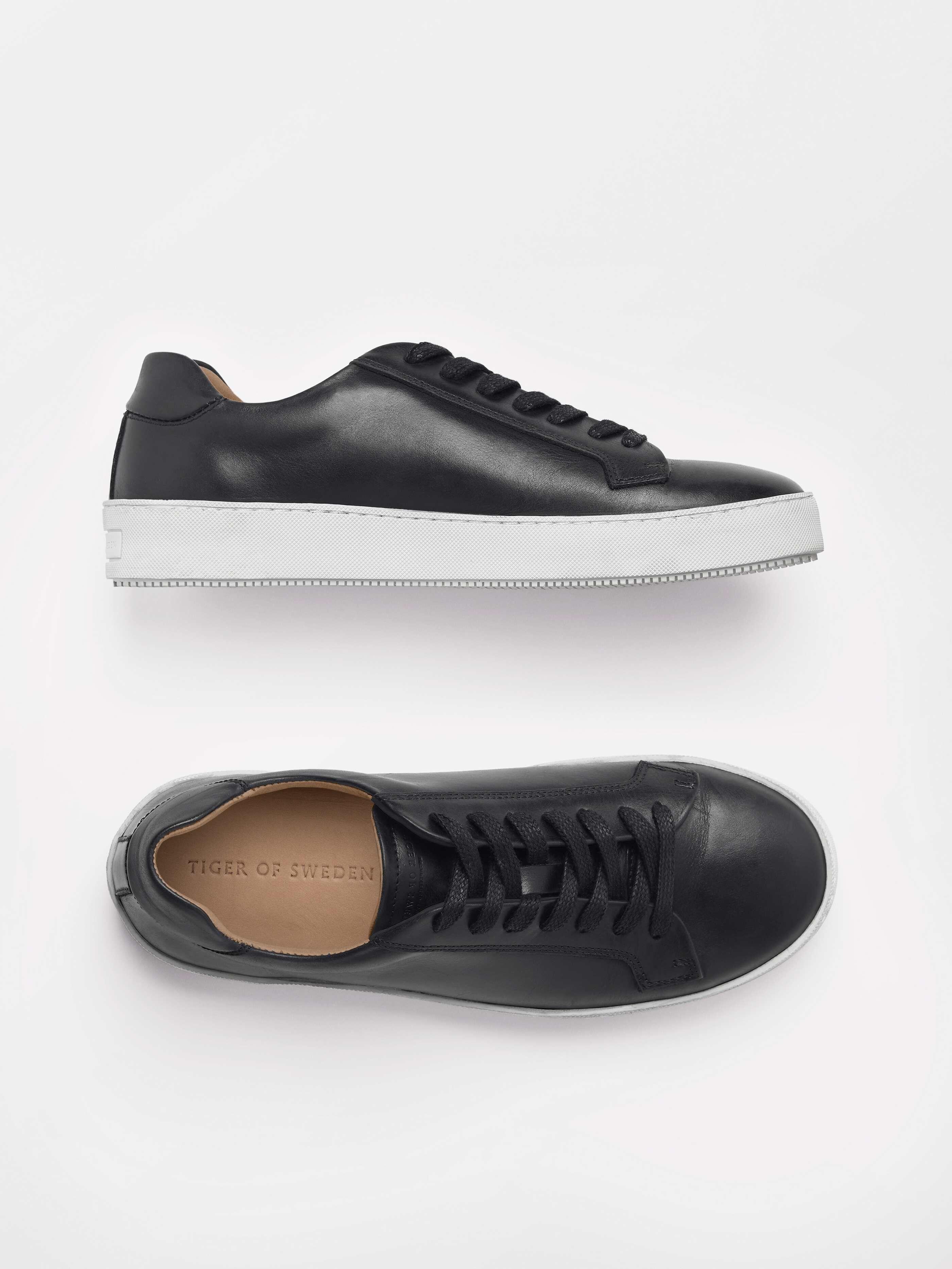 Salas sneakers Köp online